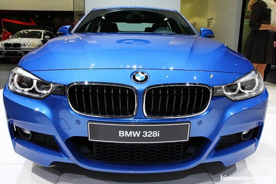 BMW Série 3 M Sport com pacote esportivo e detalhes da parte frontal exibida no Salão de Genebra 2012