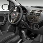 Fiat Grand Siena 2013 fotos oficiais modelo attractive detalhes do novo painel cambio manual