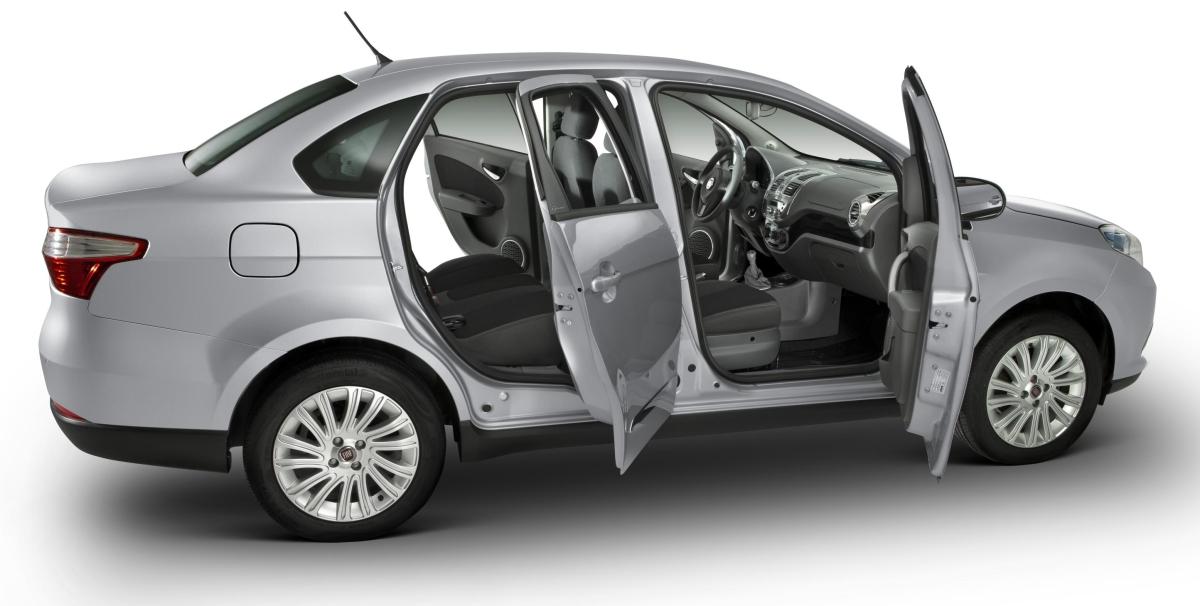 Fiat Grand Siena 2013 fotos oficiais modelo essence prata detalhes
