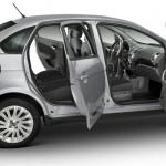Fiat Grand Siena 2013 fotos oficiais modelo essence prata detalhes carro envergadura