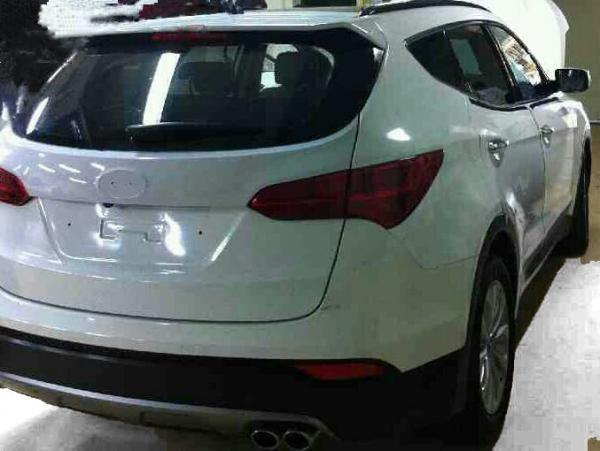 Novo Hyundai Santa Fé terceira geração 2013 traseira escultura fluida flagrante