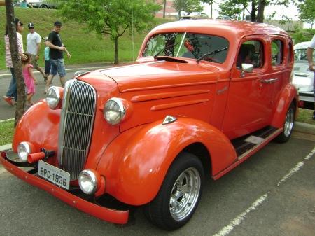 Modelo da década de 30 exposto no encontro de carros antigos no Galleria em Campinas -SP