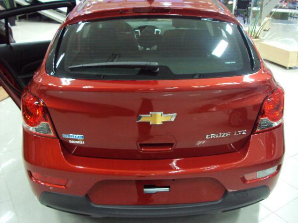 Cruze sport 6 - hatch - lançamento da Chevrolet no Brasil - detalhes das lanternas