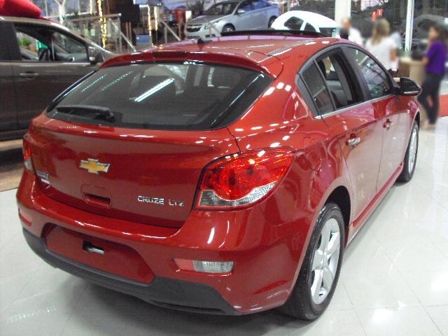 Cruze sport 6 - hatch - lançamento da Chevrolet no Brasil detalhe da traseira