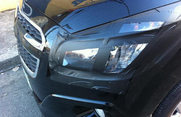 GM Spin Minivan de 7 lugares 2012 detalhes da frente