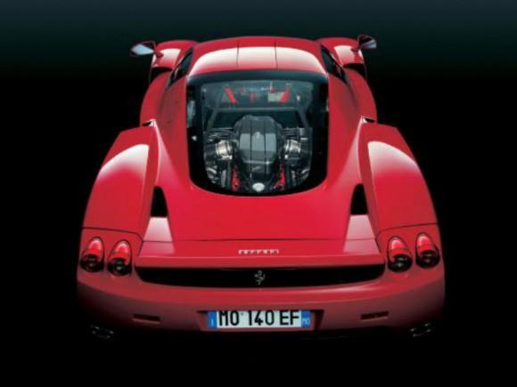 New Enzo ferrari 2013 F70 detalhes da traseira