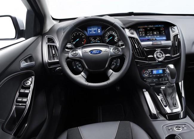 Novo Ford Focus Sedan 2013 que poderá ser visto no salão do automóvel de são paulo detalhes do painel interior