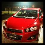 Novo Sonic 2012 da Chevrolet - modelo vermelho que começa a ser vendido em junho com festa no lançamento oficial na segunda feira