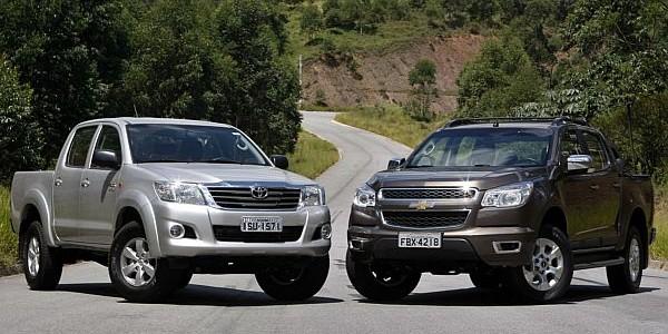 PICAPES SÃO PAULO 09/03/2012 - JORNAL DO CARRO - COMPARATIVO CHEVROLET S10 FLEX MANUAL X TOYOTA HILUX FLEX AUTOMÁTICA.FOTO SERGIO CASTRO/AE