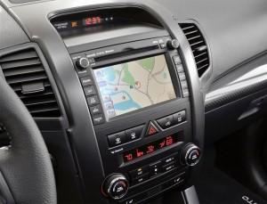 kia-sorento-2013-modelo agora vem com kit multimídia e gps integrado foto do painel