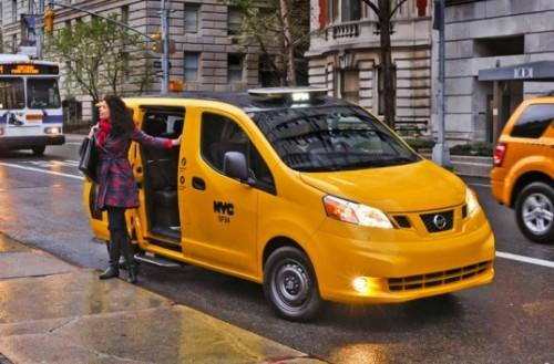 Nissan-nv-200-minivan-eleita-para ser o taxi oficial de nova york 2012- e que começa a ser produzida globalmente em barcelona em versão elétrica