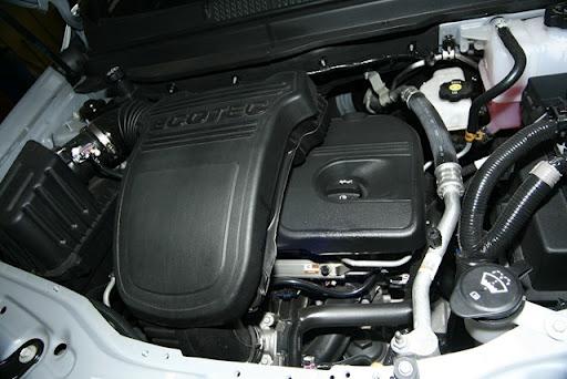 Chevrolet-Captiva-vendida em Portugal-2012 - novo modelo lançado em 2011 detalhes do motor