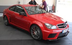 Mercedes-Benz C63 AMG Coupé Black Series C começa em mais de 300 mil reais foto 2