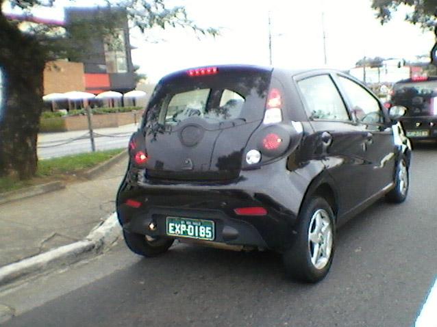 novo j2 que começa a ser vendido em agosto de 2012 detalhes da traseira