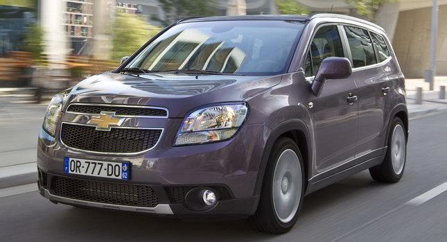 Minivan Orlando Chevrolet vendida em portugal 2012 detalhes da frente