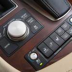 Lexus LS 460 2013 que estará no salão do automóvel de São Paulo detalhes do cambio 2