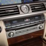 Lexus LS 460 2013 que estará no salão do automóvel de São Paulo detalhes do painel