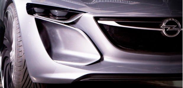 Novo monza da opel será mostrado no salão de frankfurt 2013 detalhes da frente do modelo